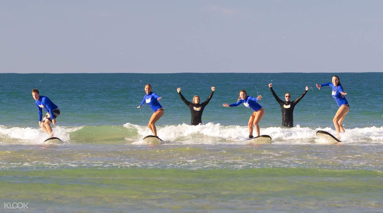 努沙海灘衝浪體驗