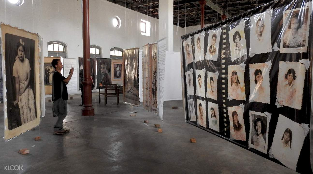 Art Galleries Private Tour in Yangon, Myanmar
