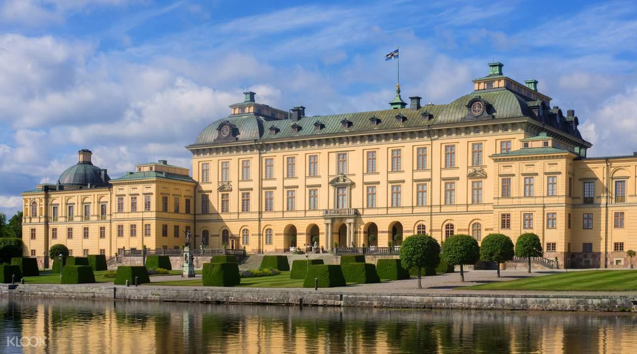 卓宁霍姆皇宫