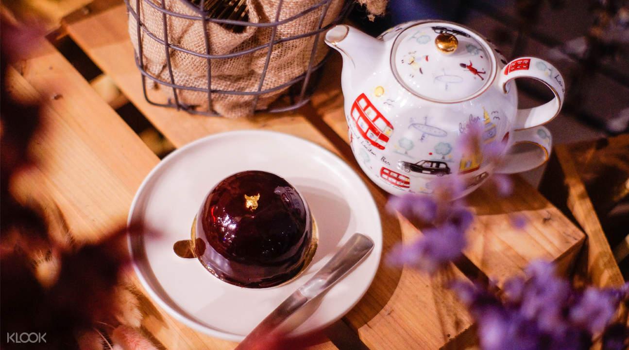 high tea set cafe de paris