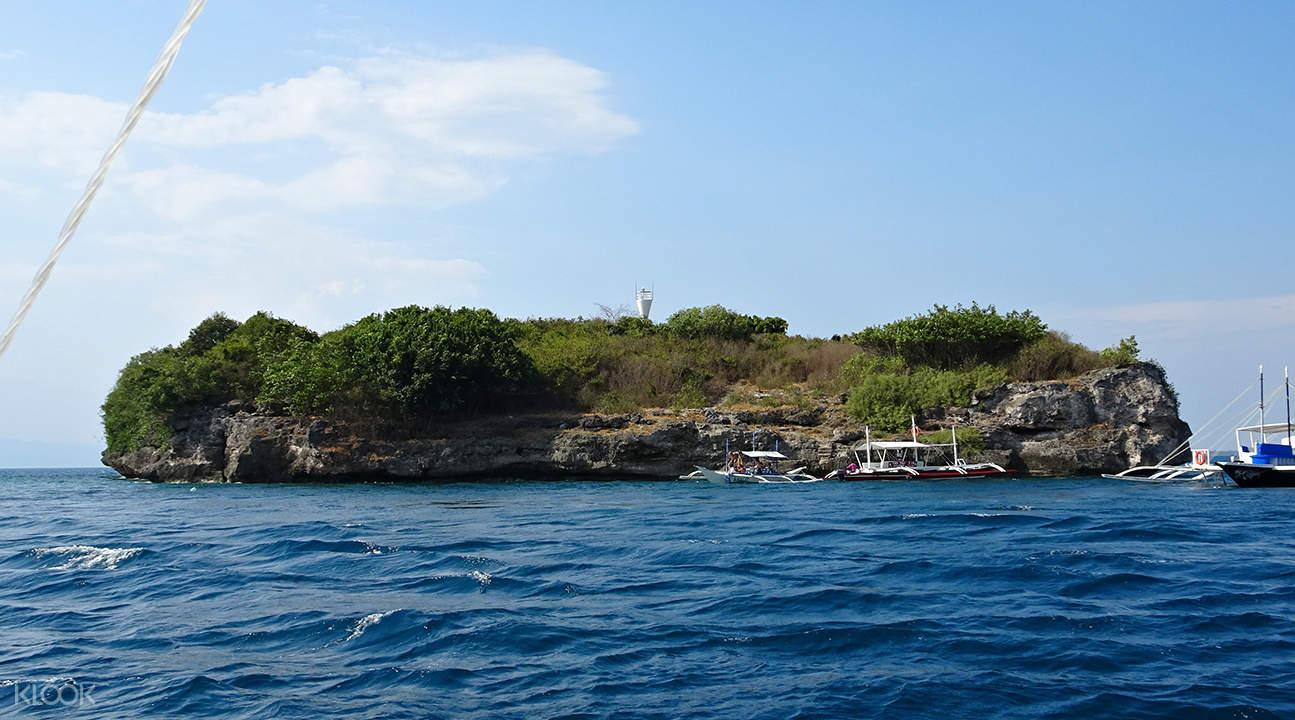 pescador island snorkeling package