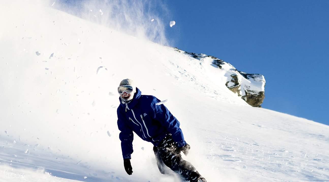 卡德羅納高山度假村滑雪體驗