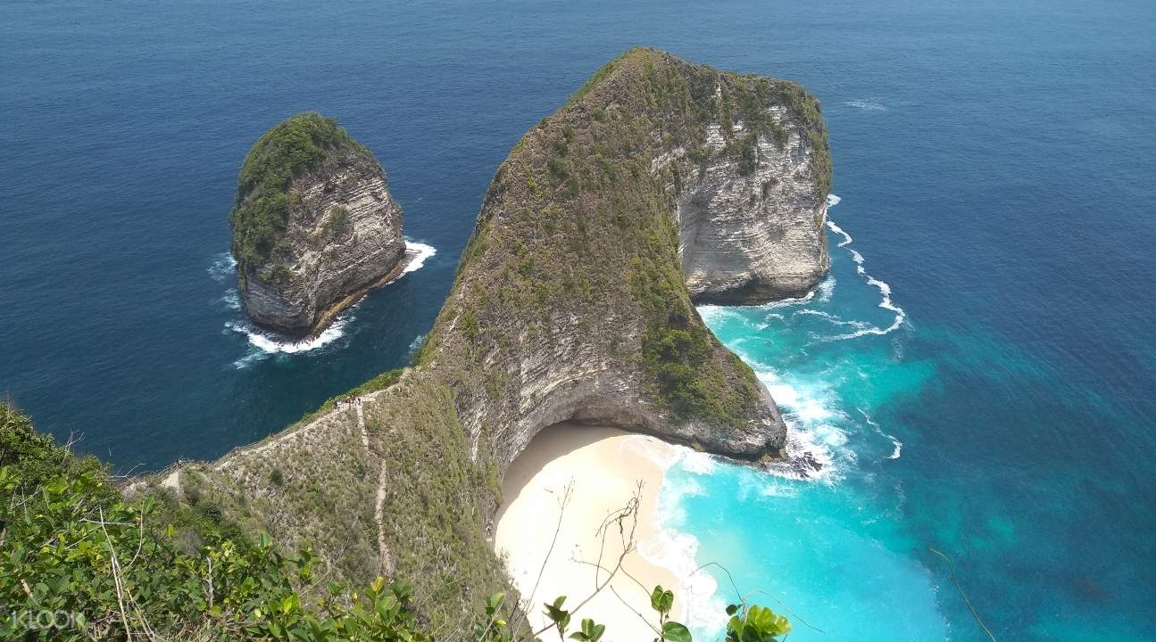 scenic view of a west nusa penida section