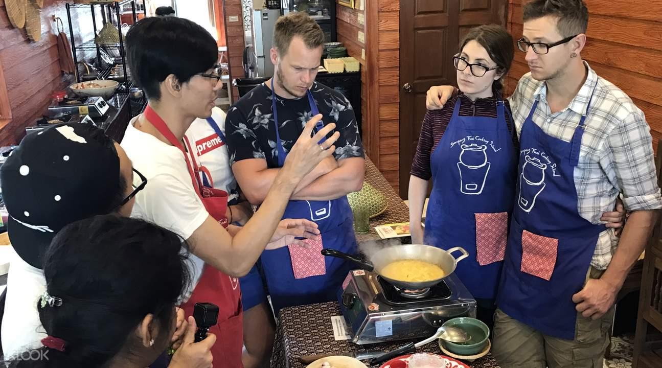 authentic thai cooking class bangkok