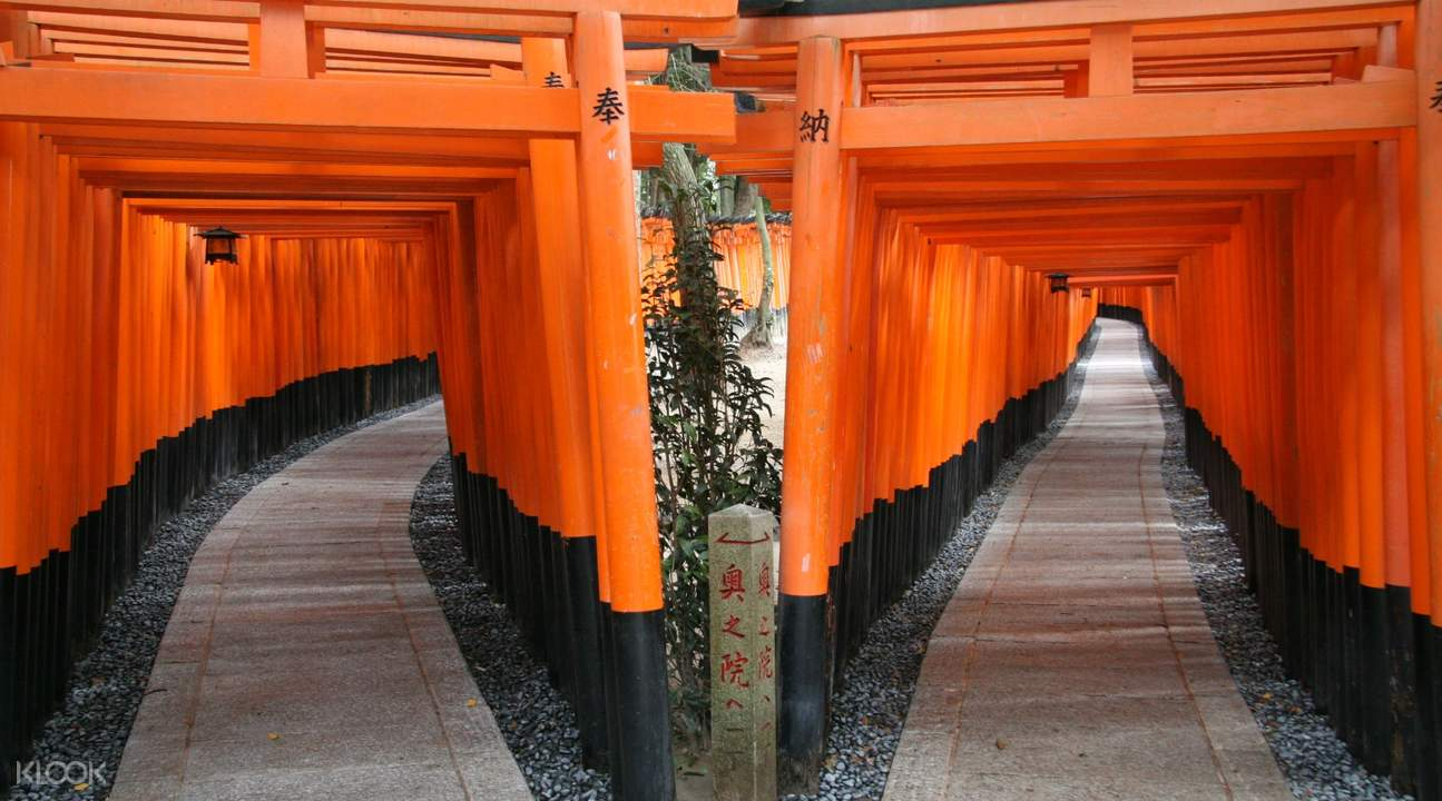arches in temple in kyoto