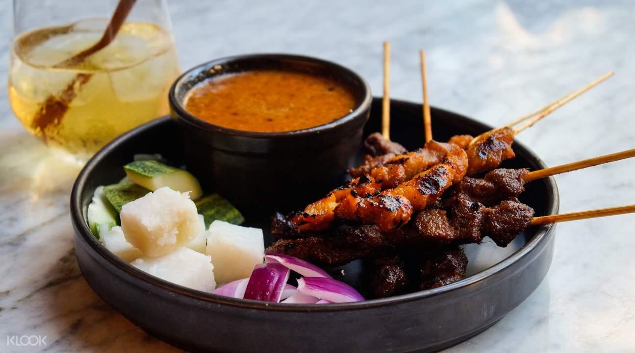 里峇峇利Tempo Bar 沙爹肉串搭配雞尾酒
