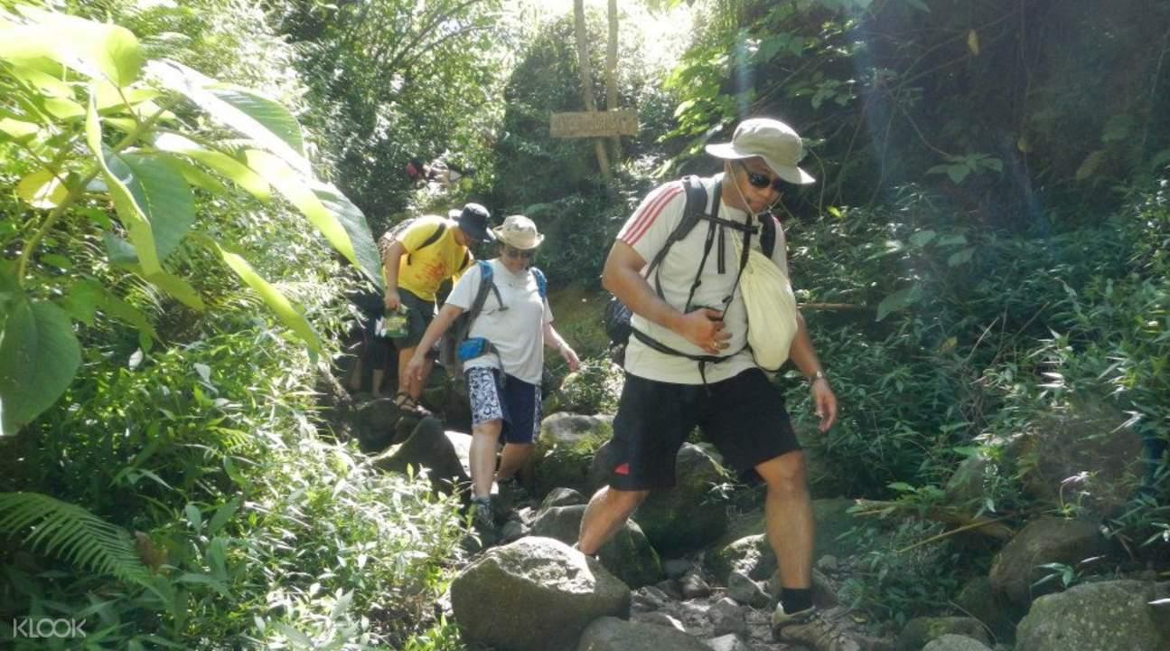 皮納圖博火山徒步遊