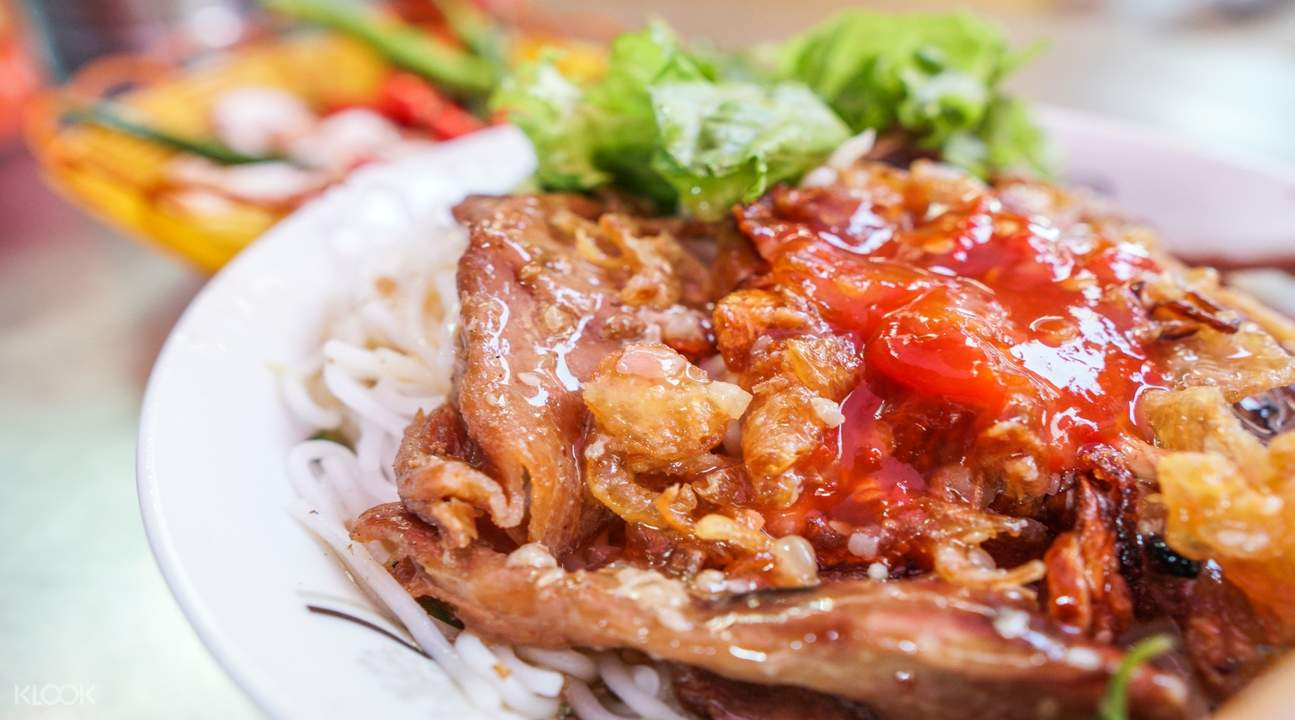 Bun Thit Nuong (Vermicelli Noodles With Grilled Pork)