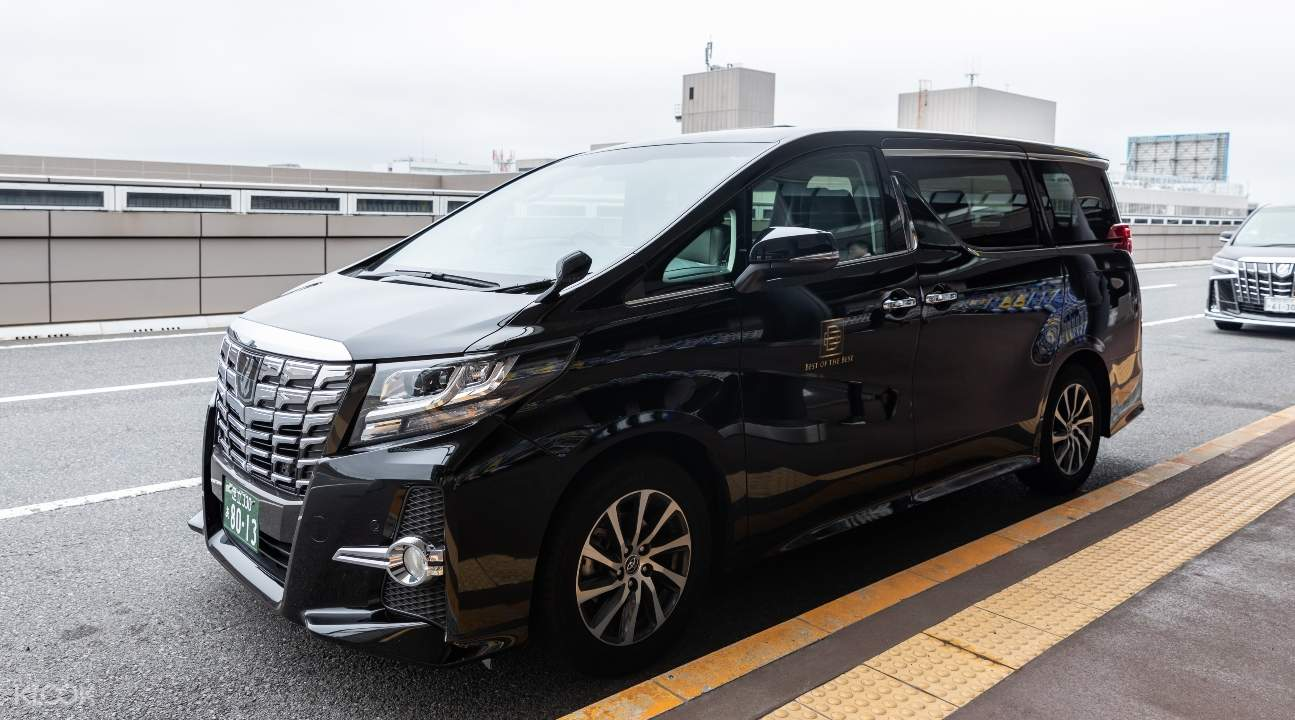 black private van transfer in Kansai International Airport