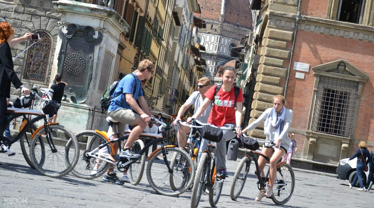 Hop on a cruiser bake and take it for a spin around the magnificent city of Florence