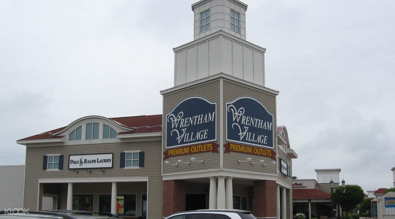 Wrentham Outlet Shopping Tour