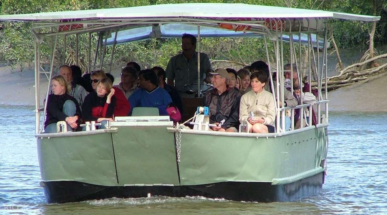 whitsunday crocodile safari cruise