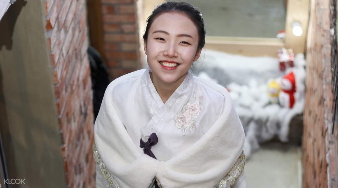 girl wearing hanbok