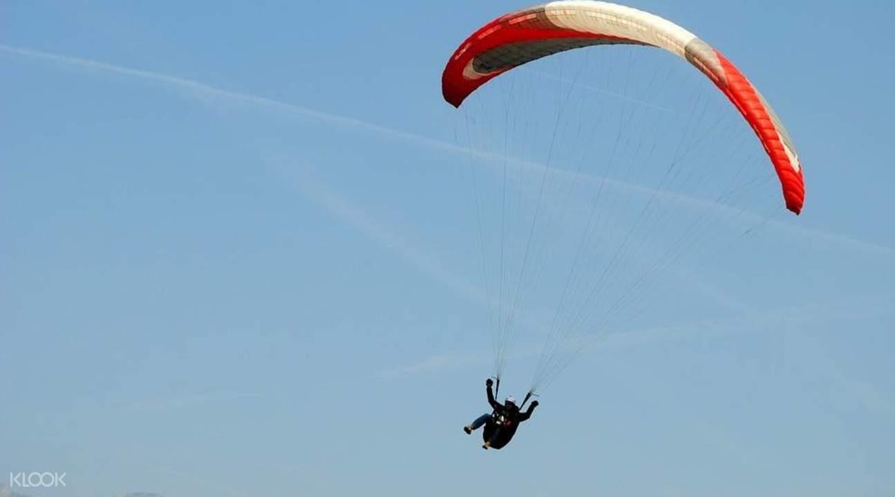 桂林阳朔燕莎滑翔伞体验活动