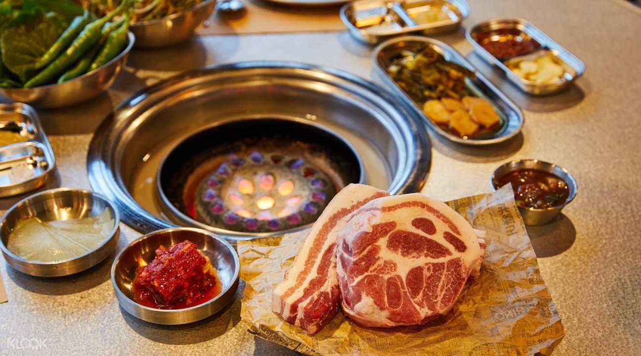 3geori Butchers BBQ Mixed Dish Set for 2-3 YG Republique in Jeju Shinhwa World Jeju South Korea
