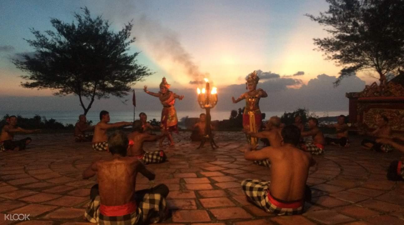 Bali Custom Tour Tanah Lot Kecak Show