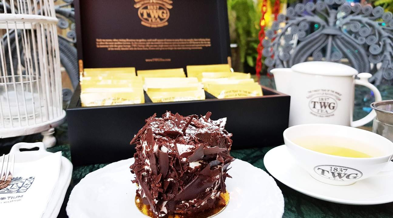 tantitium food and drink phuket thailand
