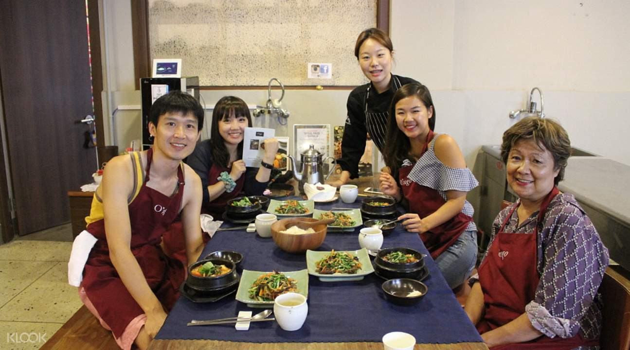 Korean cooking class in seoul klook for Traditional korean kitchen