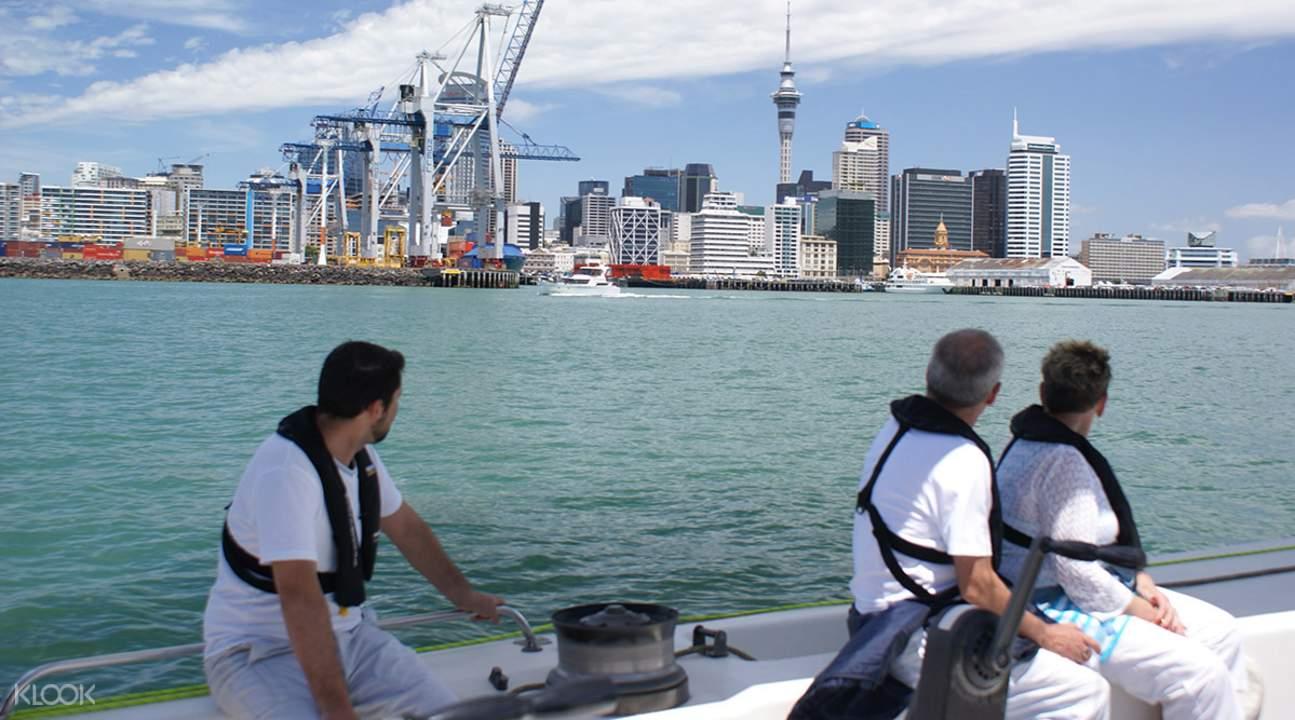 奥克兰美洲杯帆船驾驶体验