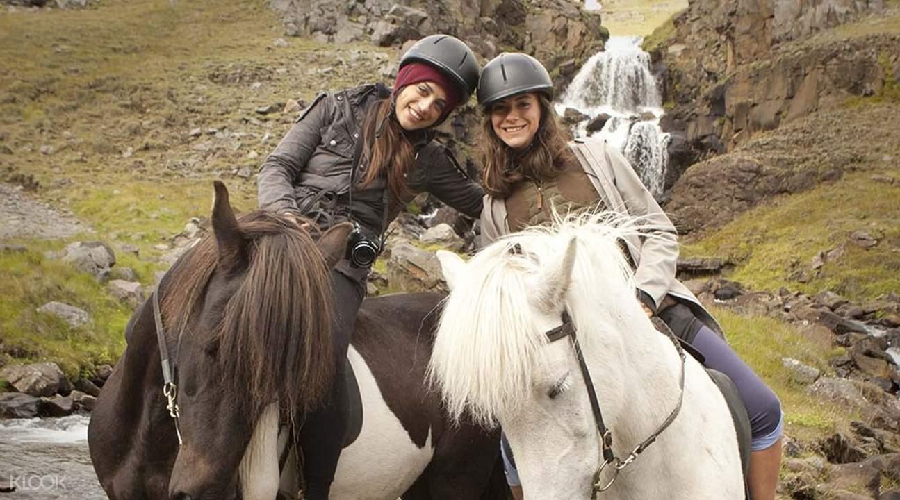 冰岛荒野中心骑马体验