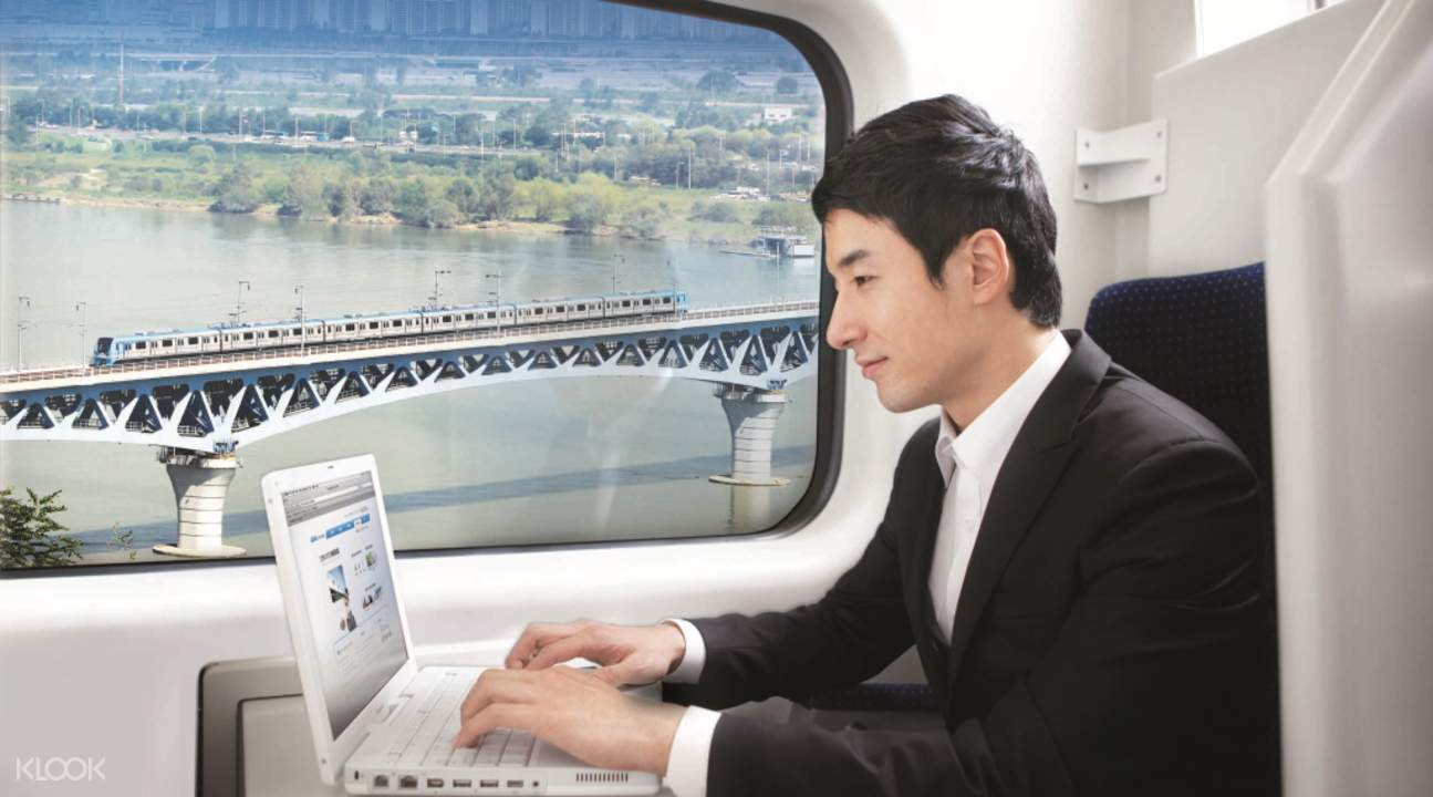 Tàu cao tốc ở sân bay Seoul