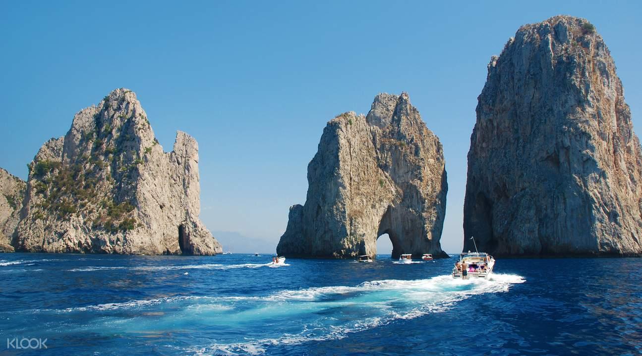 capri island faraglioni