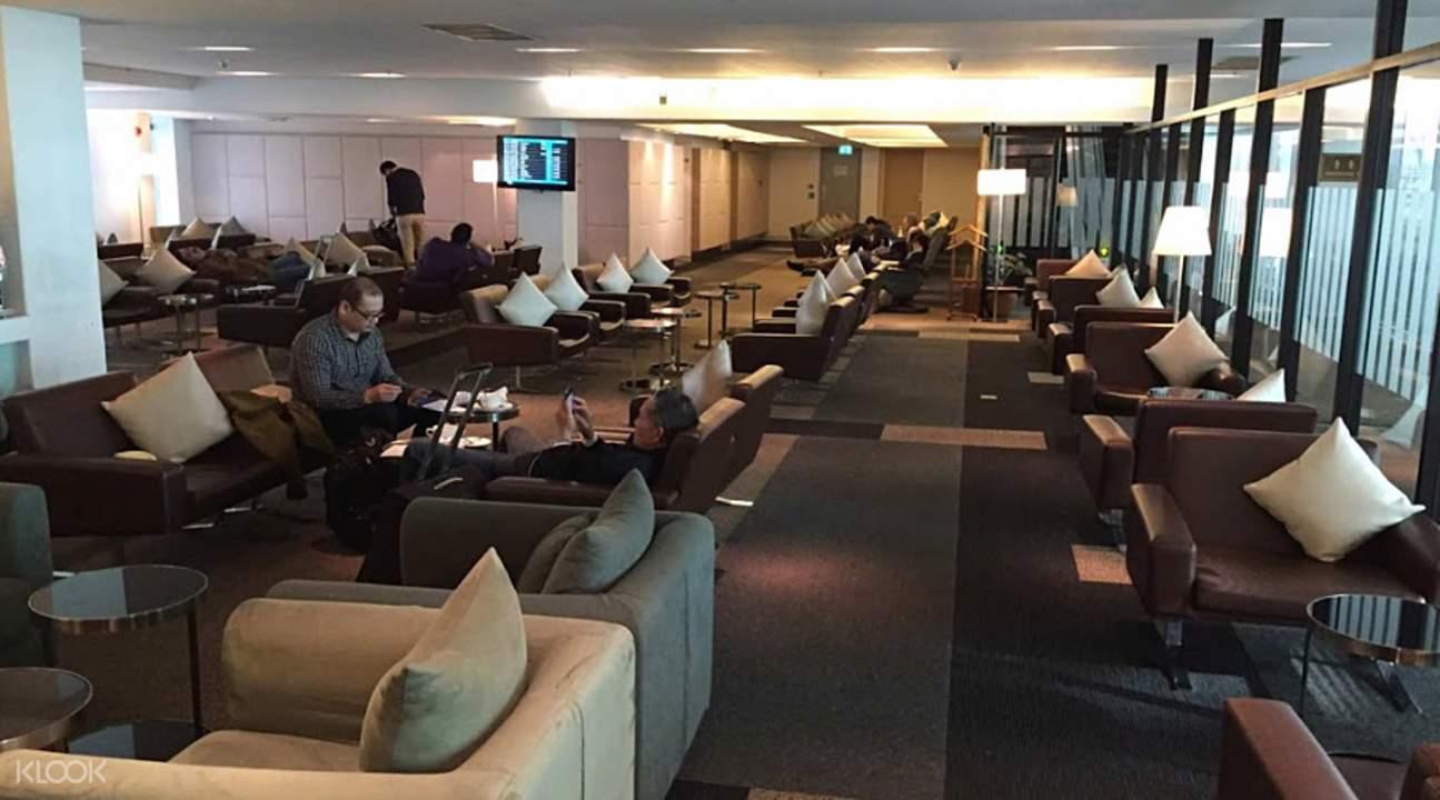 Lounge access Suvarnabhumi Airport (BKK) Immigration VIP Fast-Track Service Bangkok Thailand