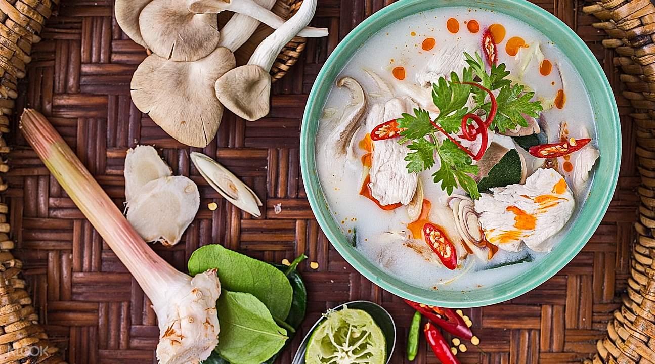 phuket cooking school