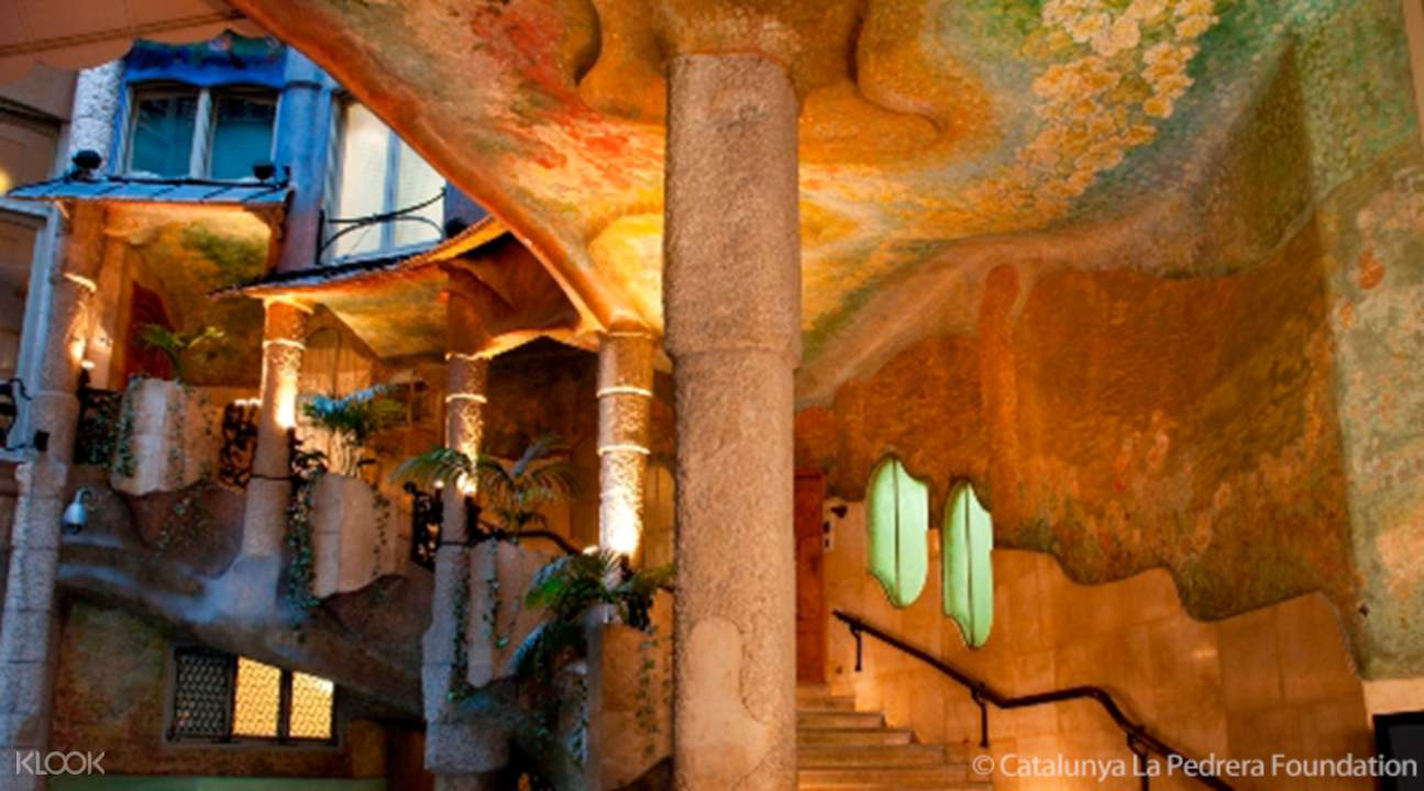 visiter barcelone ticket casa mila coupe file discount - 1295×720