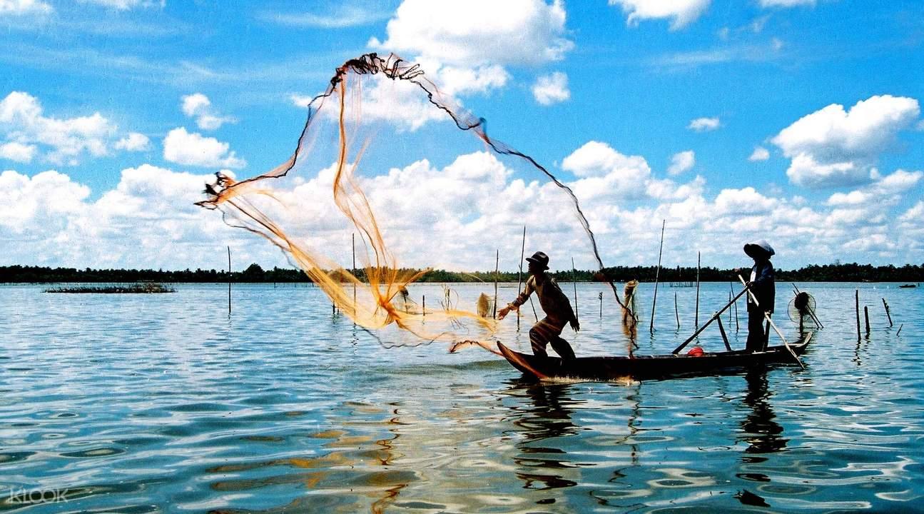 tam giang lagoon fishing