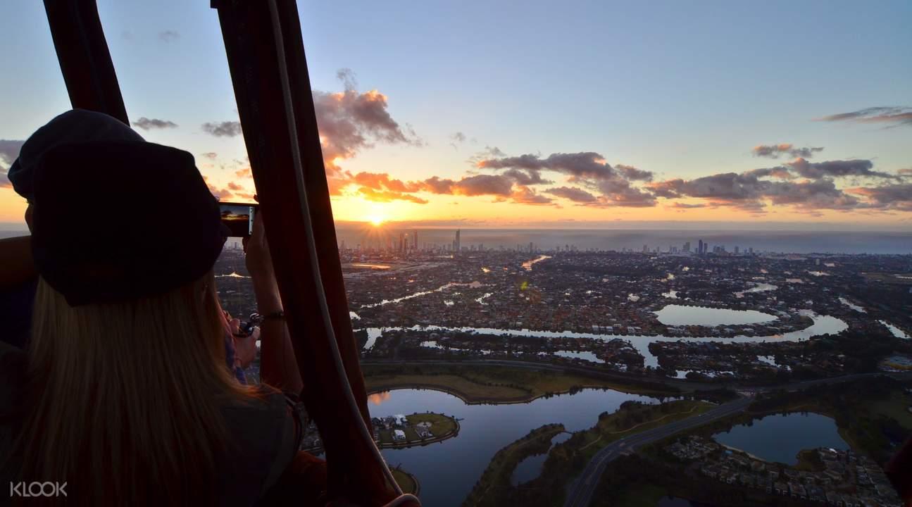 gold coast hot air balloon ride