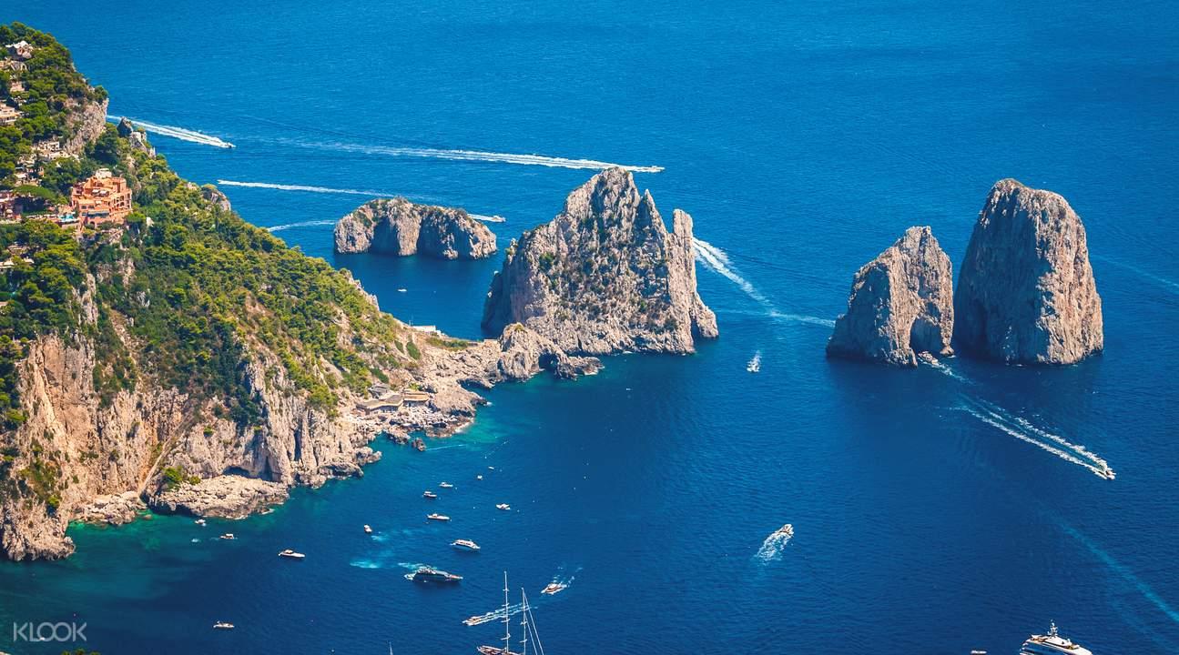 ทัวร์ท่องเที่ยวเกาะคาปรี (Capri Island) และถ้ำบลูกร็อตโต้