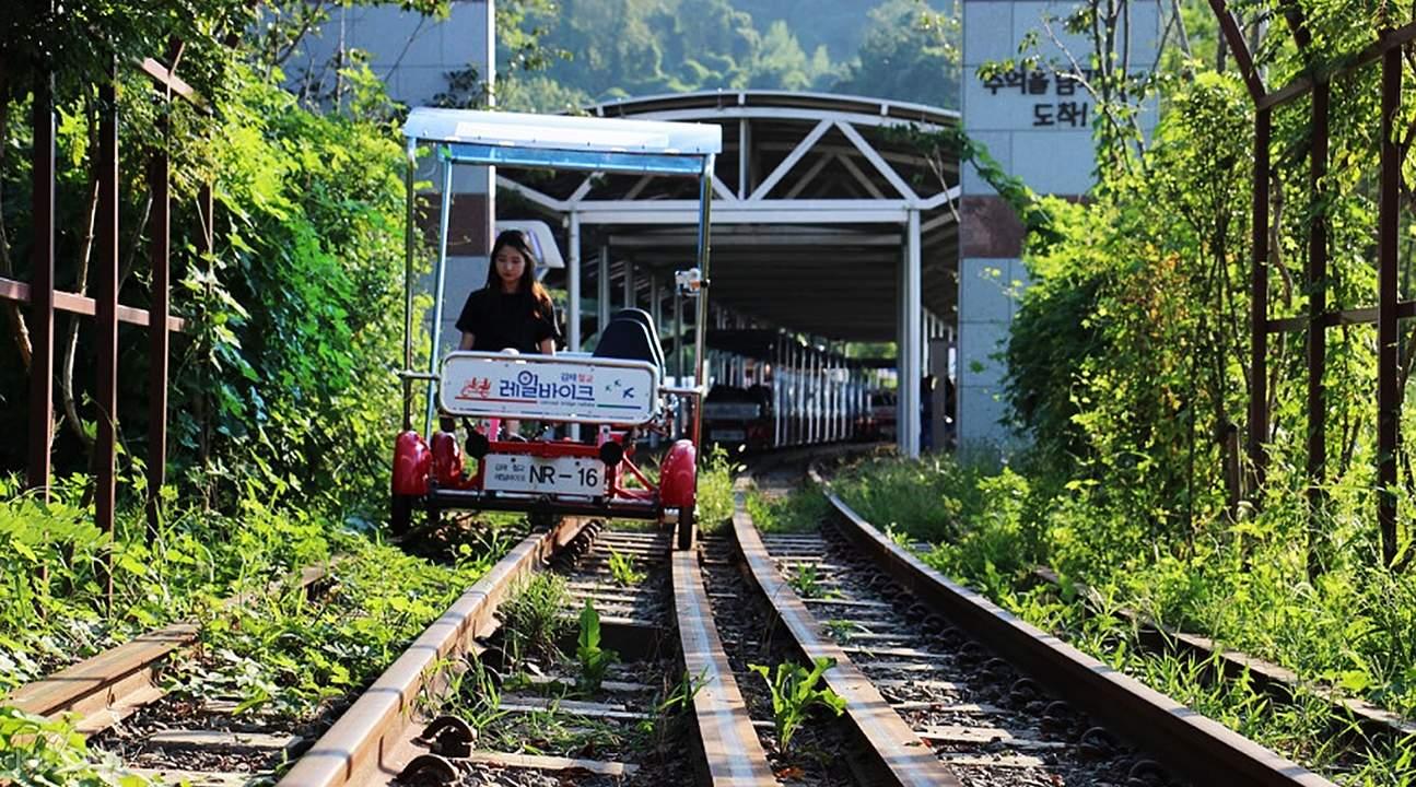 金海洛东江铁路自行车