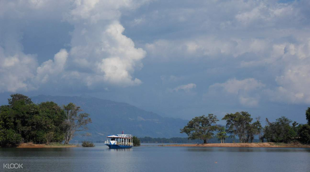 Nam Ngum Reservoir Tour from Vientiane