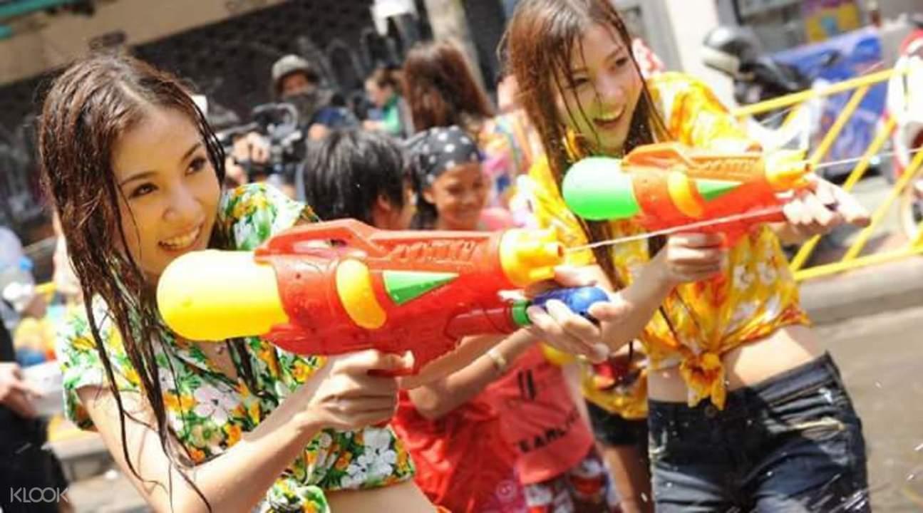 泼水节曼谷2017