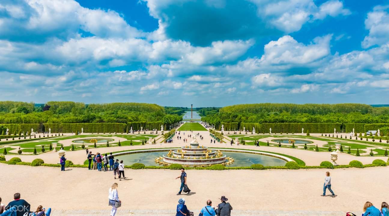 garden of versailles fountain