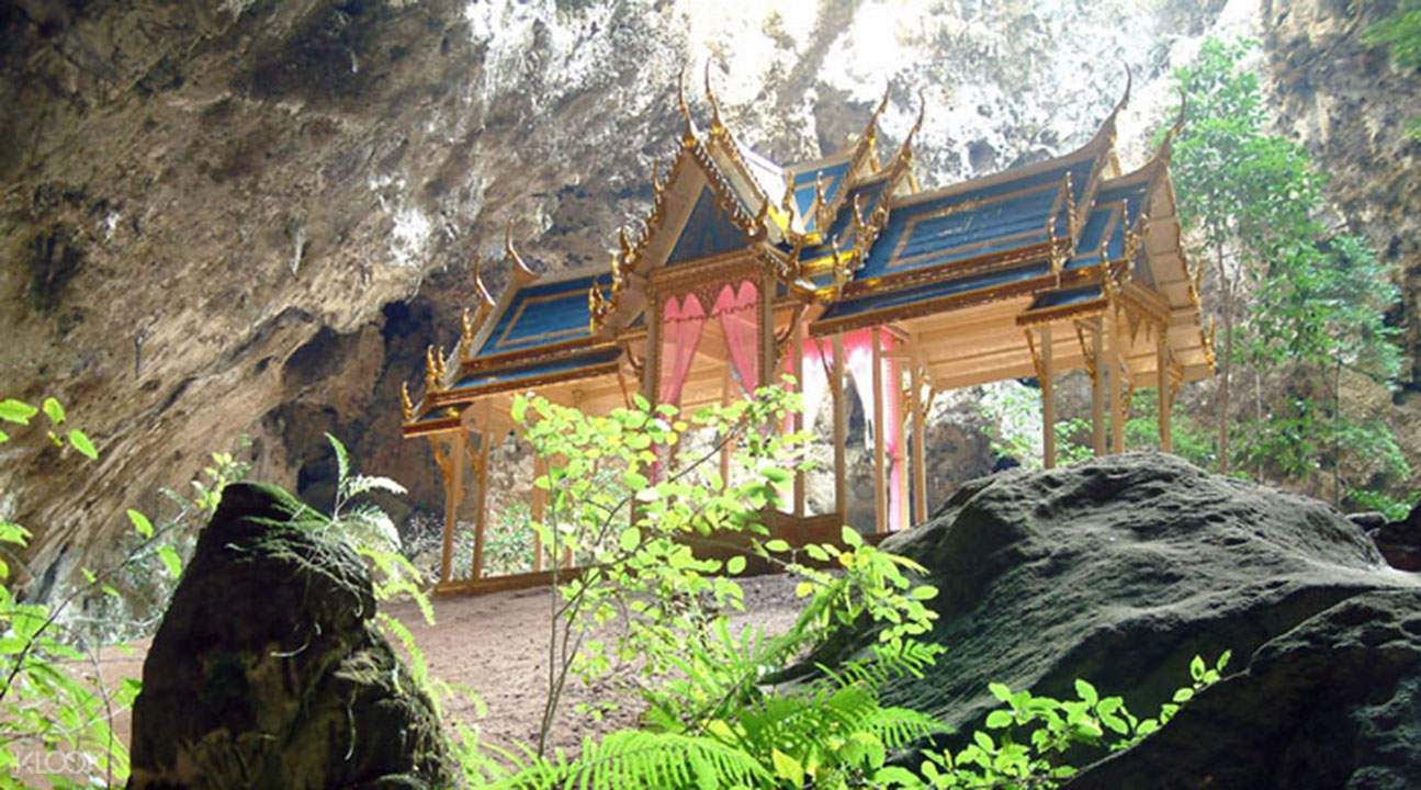 royal pavilion in Khao Sam Roi Yot National Park