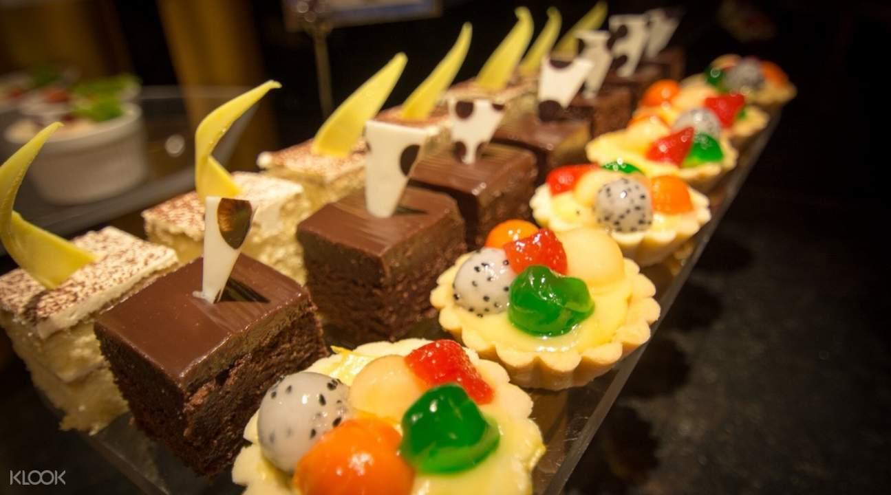 dessert Gondola Restaurant at A-One Bangkok Hotel, Bangkok, Thailand