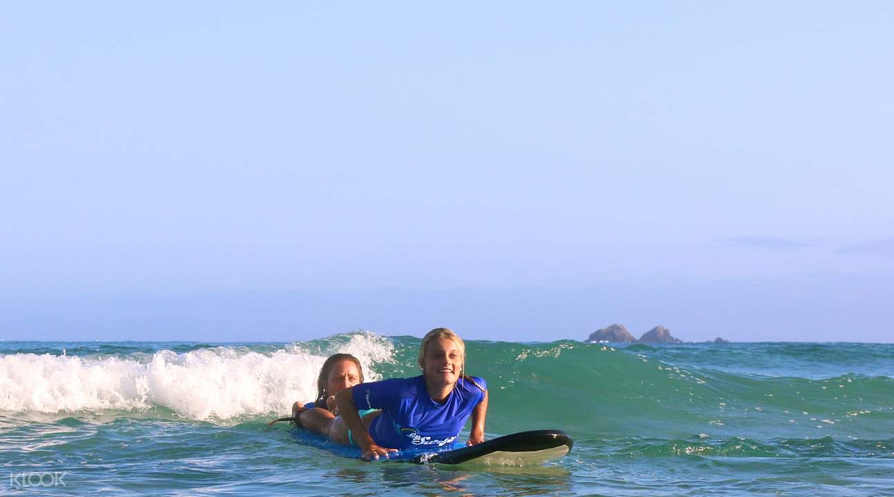 Byron Beach surf lesson