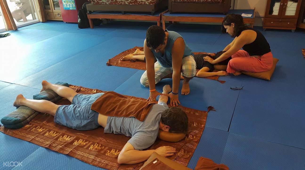 帕岸島職業學校泰式按摩課程