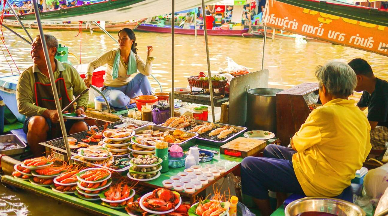 amphawa floating market tour thailand