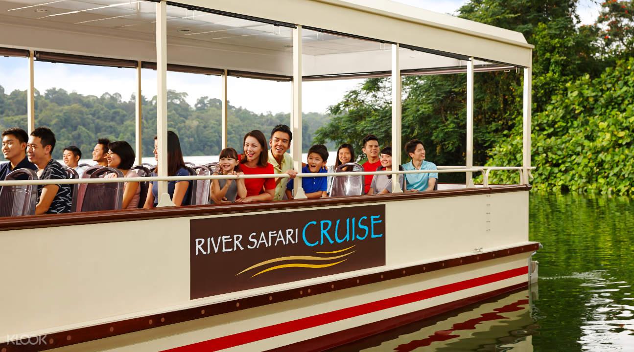 people going on the Amazon River Cruise in Singapore River Safari