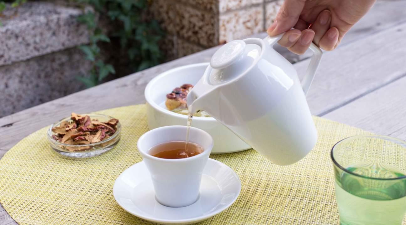 Yokdabang Bomdong cup of herbal tea