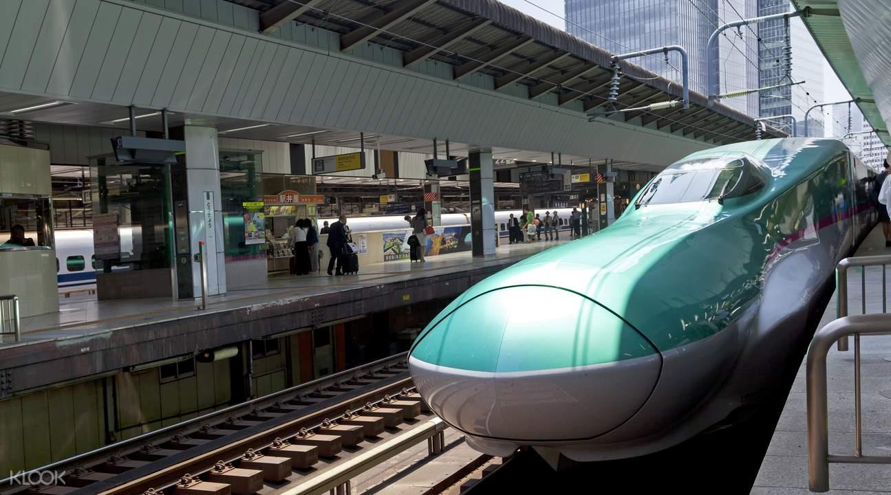 "E5系列,東京 - 新青森的東北新幹線""隼(Hayabusa)""號"
