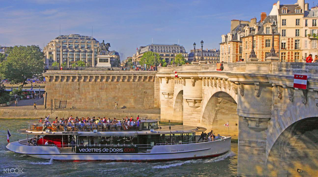 seine river sightseeing cruise
