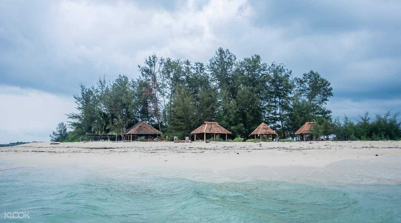 bintan white sand island