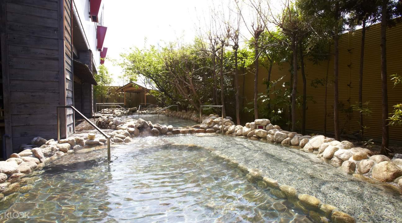 日本温泉大世界