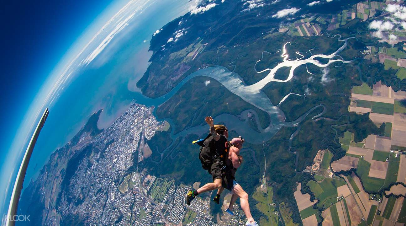 凱恩斯跳傘