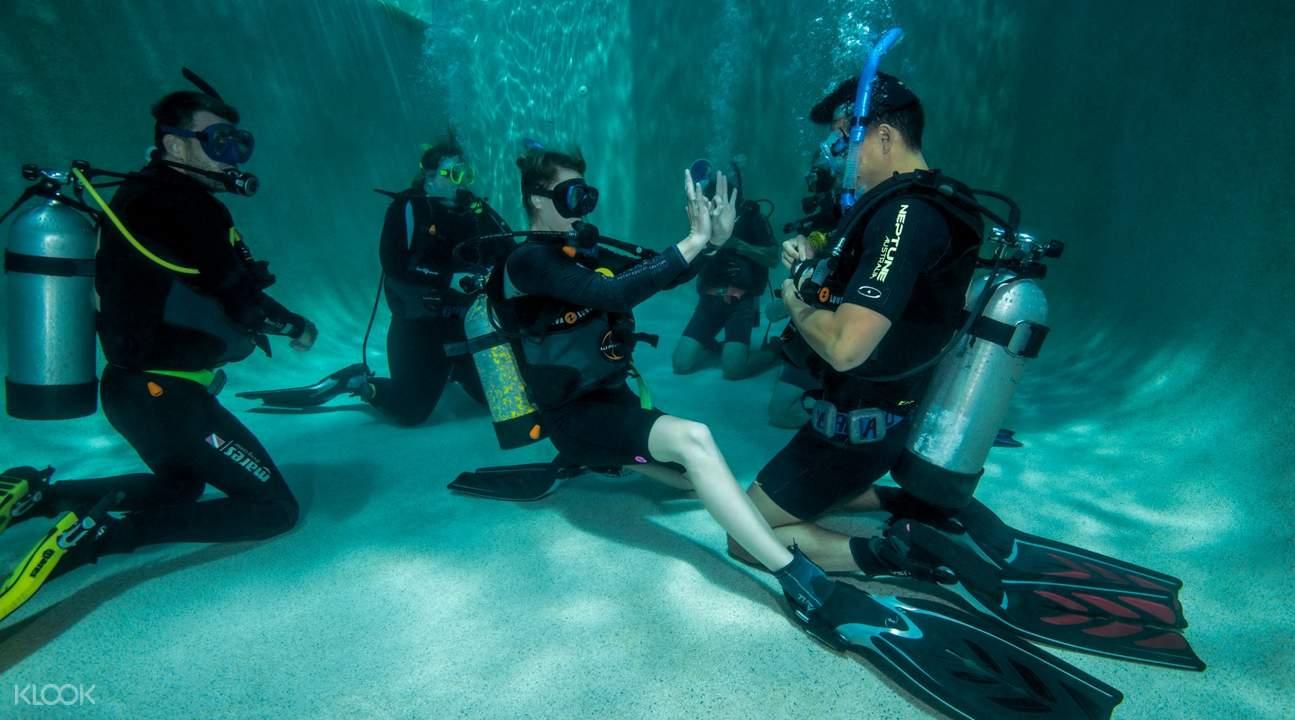 大堡礁PADI潛水認證四日課程