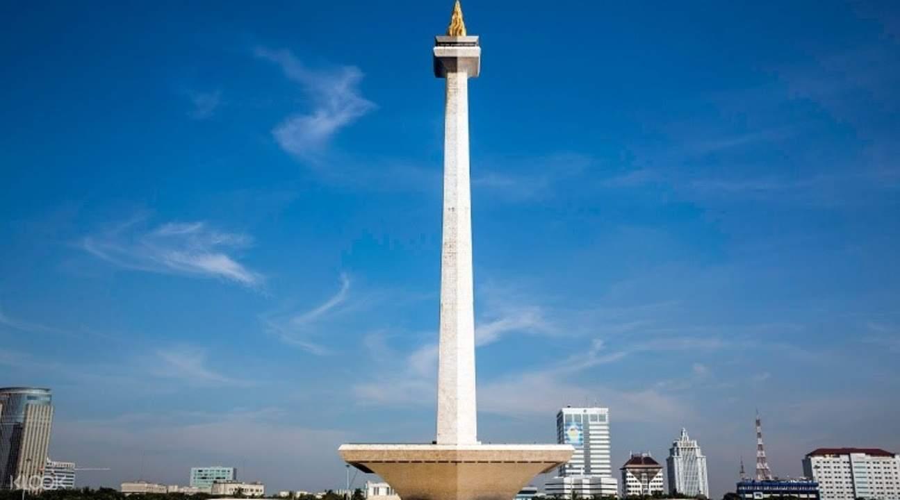 莫纳斯纪念塔